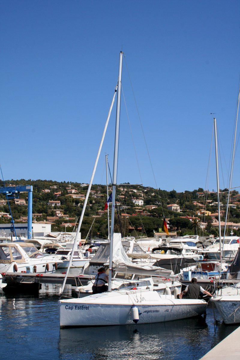 Boote im Hafen an der Côte d'Azur